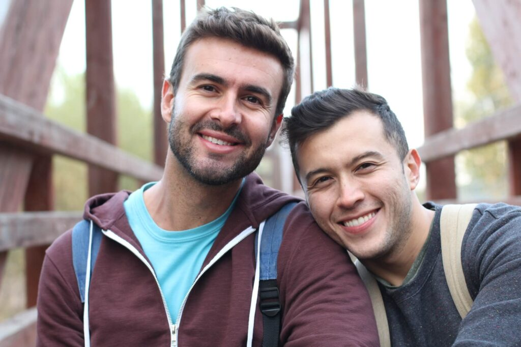 dwóch przystojnych gejów
